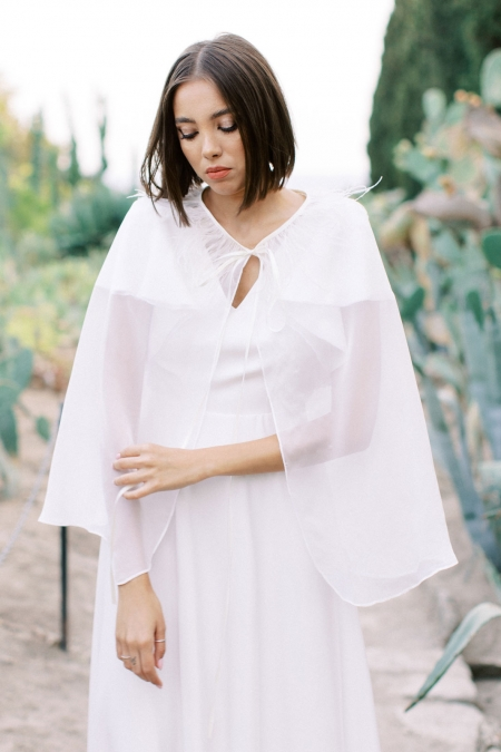 SILK FETHER CAPE